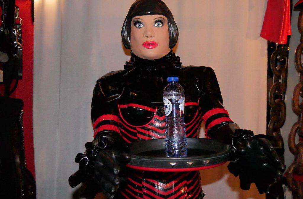 Doll secretary
